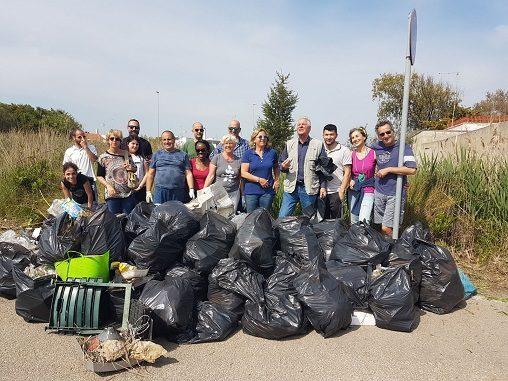 """Quartieri puliti"": un esercito di volontari tira a lucido Torre Chianca"